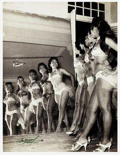 black burlesque dancers