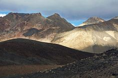 Photograph by Stuart Litoff. Artisit's Palette in Death Valley National Park, California.