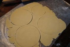 The empanada discs can be used immediately or saved for later Empanadas Recipe Dough, Pie Dough Recipe, Empanada Dough, Mexican Dishes, Mexican Food Recipes, Plats Latinos, Comida Latina, Latin Food, Hand Pies