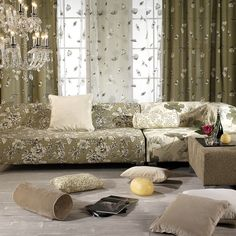 In your search for elegance incorporates motifs embroidered with natural fabrics especially soft.