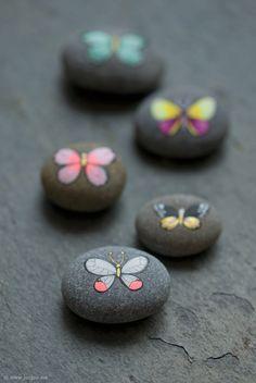 joojoo: Butterfly pebbles