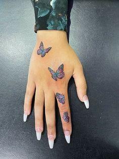 Pretty Hand Tattoos, Small Hand Tattoos, Mini Tattoos, Small Dope Tattoos, Hand And Finger Tattoos, Random Tattoos, Hand Tats, Body Tattoos, Butterfly Hand Tattoo