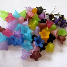 Large Frosted Variety Lily Lucite Flower 18mm by BeadFindingUtopia, $2.99