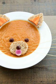 Organic vegan carrot miso soup decorated to look like a cute red panda Food Art For Kids, Cooking With Kids, Toddler Meals, Kids Meals, Cute Food, Yummy Food, Kreative Snacks, Childrens Meals, Edible Crafts