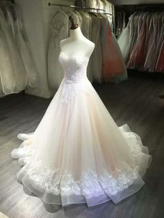 2018 Strapless ivory tulle lace long wedding dress