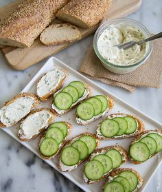 Garlic and Chive Cream Cheese Spread - The Little Epicurean