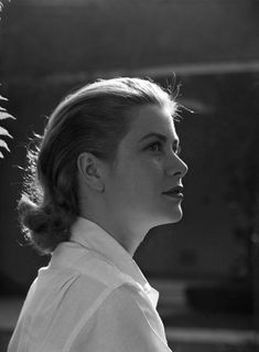 vintage everyday: Black & White Grace Kelly's Portraits in 1950s by Loomis Dean