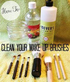 photo makeupbrush6_zps4f144bb7.jpg