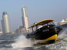 Hotel New York Rotterdam - Watertaxi Even romantisch samen erop uit of avondje on the town met je vriendinnen. Rotterdam Port, Rotterdam Netherlands, Rotterdam Apartment, Paradise On Earth, Most Beautiful Cities, Limousin, Cool Places To Visit, Wonders Of The World, Where To Go