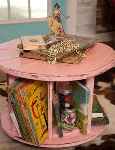 30 Great Ideas for Upcycled Storage ✥ New Life for Wooden Spools: You may not necessarily have an electrical spool lying around the house, but you can easily find them, and they're oftentimes free at many home improvement stores. Wooden spools are excelle Old Furniture, Repurposed Furniture, Furniture Ideas, Geek Furniture, Furniture Removal, Outdoor Furniture, Furniture Stores, Pallet Furniture, Furniture Makeover