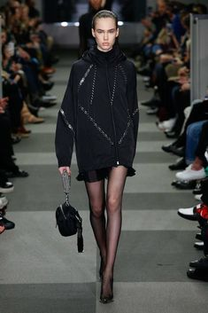 The complete Alexander Wang Fall 2018 Ready-to-Wear fashion show now on Vogue Runway.
