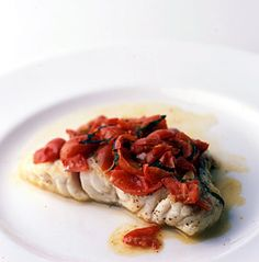 Grouper with Tomato and Basil / Romulo Yanes Grouper Recipes, Fish Recipes, Seafood Recipes, New Recipes, Cooking Recipes, Favorite Recipes, Seafood Meals, Yummy Recipes, Fish Dishes