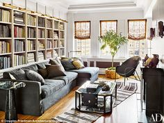 Nate Berkus & Jeremiah Brent Greenwich Village home in Architectural Digest Nate Berkus, Le Living, Home And Living, Living Spaces, Living Rooms, Architectural Digest, Jeremiah Brent, Manhattan Apartment, New York City Apartment