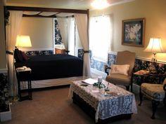 bedroom | canopy bed | relaxing