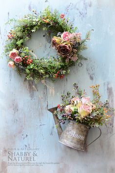 wreath and watering can for Spring Dried Flowers, Silk Flowers, Paper Flowers, Corona Floral, How To Preserve Flowers, Arte Floral, Diy Wreath, Wreath Ideas, Door Wreaths