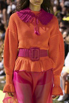 LoveEmmaBleu Fashion Milan, 2020 Fashion Trends, Spring Fashion Trends, Fashion 2020, Fashion Weeks, Knitwear Fashion, Crochet Fashion, Estilo Boho, Mode Streetwear