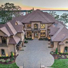 Mansions homes, cool mansions, luxury mansions, french mansion, dream house Dream House Exterior, Dream House Plans, Big Houses Exterior, Luxury Homes Exterior, Dream Home Design, Modern House Design, Dream Mansion, Luxury Homes Dream Houses, Dream Homes