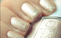 Gold Glitter on Matte Gold Nail Polish. Love this look.