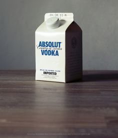 Absolut Vodka in Tetra Pak. Cool Packaging, Beverage Packaging, Bottle Packaging, Brand Packaging, Packaging Design, Tetra Pak, Absolut Vodka, Sustainable Design, Sustainability