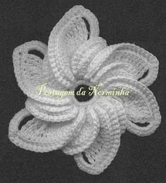 Crochet flower - This is beautiful!