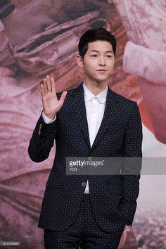 04/05/16 #SongJoongKi at Descendants of The Sun Press Conf in Hong Kong