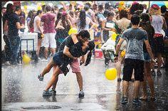 O Catraca Livre vai mostrar as imagens, com seus leitores, do que considera a principal marca do carnaval de rua da cidade de São Paulo: a diversidade. Há de tudo um pouco: da homenagem ao estilo brega ao punk.