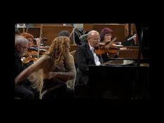 Concert de ZIUA ROMANIEI ( Lie Ciocarlie si Genericul TeleEnciclopedia ) IOANA LUPASCU - YouTube Youtube, Concert, Concerts, Youtubers, Youtube Movies