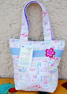 Tote Bags for Little Girls - I made these tote bags for my husband's nieces. It was their Christmas present. I hope they inspire your next sewing project.