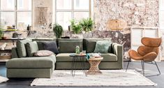 #bankstel #hoekbank #betaalbarebank #modernebank #comfortabelebank #fauteuil #vloerkleed #bijzettafeltjes Store Design, Couch, Furniture, Home Decor, Lounge Chairs, Settee, Decoration Home, Sofa, Room Decor