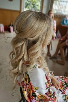 Half up half down curl hairstyles - partial updo wedding hairstyles,partial updo bridal hairstyles - a great options for the modern bride from bohemian hair #weddinghairstyles