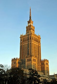 Warsaw, Poland Been to the top with Mom, Aunt Carole & Uncle Harry! Travel Sights, Places To Travel, Places To Visit, Visit Poland, Neoclassical Architecture, Cultural Capital, Central Europe, City Photography, Beautiful Buildings