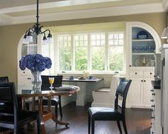 love love love. built ins on each side of a built in window booth. such a great space. Visbeen Associates, Inc. (via houzz)