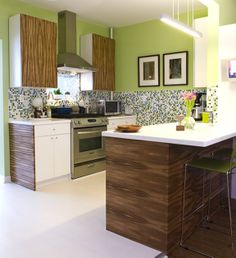 midcentury modern kitchen | accent to this mid century kitchen in Chicago.