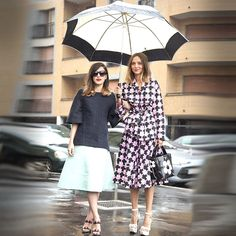 Italian women are generally super-groomed and usually dress formally. These ladies have all the boxes ticked – big shades, quality brands, fabulous bags, glossy hair, heels, and just-so accessories...