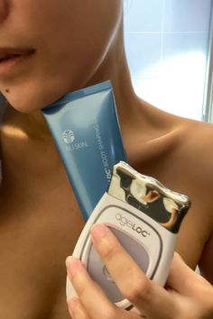 Nu Skin Galvanic Spa, Spa Facial, Body Contouring, Picture Poses, Face Skin, Clear Skin, Health And Beauty, Skin Care, Pink