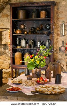 Tuscan Furniture Dream Homes. Residence Tuscan Interior Decorating Ideas That You Should Comprehend Old Kitchen, Country Kitchen, Kitchen Ideas, Bratislava, Tuscan Furniture, Kitchen Drawing, Tuscan Decorating, Interior Decorating, Decorating Ideas