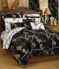 Southern Sisters Designs - Realtree AP Black and Snow Comforter Set, $75.95 (http://www.southernsistersdesigns.com/products/Realtree-AP-Black-and-Snow-Comforter-Set.html)