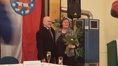In Thüringen sind die Reden kurz und die Würste lang. Konzentrierte Versammlung mit eindeutigem Ergebnis: Ich wurde mit 100 % der abgebenden Stimmen nominiert, für die CDU 2017 in den Wahlkampf in Nordthüringen zu ziehen. Ich nehme das Votum in Demut und mit dem Willen zur Verteidigung des Direktmandates an. Glück auf!