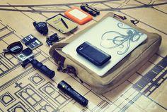 "Filson ""Briefcase Computer Bag"" 70257 Macbook Pro Retina i7 iPhone 5s Twelvesouth BookBook case LED Lenser T7 Tactical Flashlight GoPro He..."