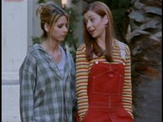 Buffy The Vampire Slayer Joss Whedon, Willow Buffy, Buffy Im Bann Der Dämonen, Buffy Summers, Witch Aesthetic, 90s Aesthetic, Funky Outfits, Sarah Michelle Gellar, Alyson Hannigan