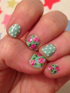 Flowery nails #nailart. Cath Kidston inspired nail art!