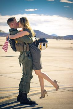Tips for Photographing Military Homecomings -  