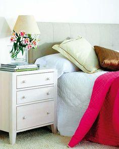 Cabeceros y mesillas para tu dormitorio