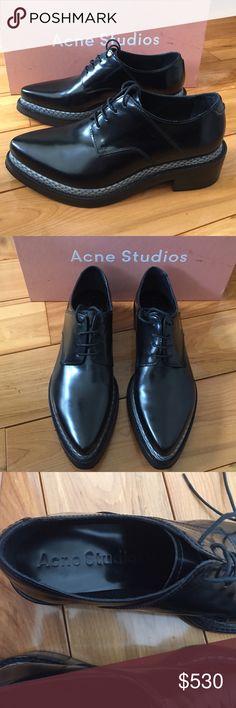 Acne Studios broques w grey snakeskin detail Women's dress shoes by Acne Studios. Have grey snakeskin platform detail. Size 38 Acne Shoes