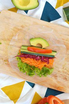 Si comme moi, vous en avez marre de l'éternel sandwich qu'on ressort à chaque pique-nique, vous allez adorer mon alternative toute fraiche et facile à préparer : les rouleaux de printemps aux légumes ! (vegan, sans gluten) www.sweetandsour.fr