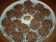Raw PB Oatmeal cookies: You can make these yummy, raw, oatmeal cookies quickly using a food processor and a dehydrator. It is a tasty snack for any raw foodie with an oatmeal cookie craving! :)