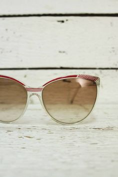 vintage 70's glasses http://www.sugarsugar.nl/vintage-accessoires-vintage-brillen-c-36_43.html