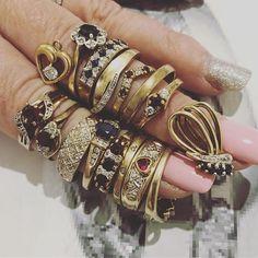 The B E F O R E...... can't wait to share the After 😳💎🙏🏼💕 #ringremodel #remodel #oldrings #newrings #portfairyjeweller #portfairy #gold  #Regram via @loveleskesjewellers