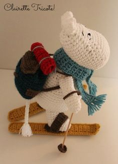 SC Moomin aux sports d'hiver! /Moomin goes skiing! Crochet Gifts, Crochet Toys, Knit Crochet, Les Moomins, Cute Hippo, Go Skiing, Eco Friendly Toys, A Hook, Little My