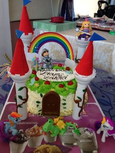 Fairy cake by Yaya's bakery art Castle Cakes, Gingerbread, Bakery, Strawberry, Sweet, Desserts, Art, Candy, Tailgate Desserts